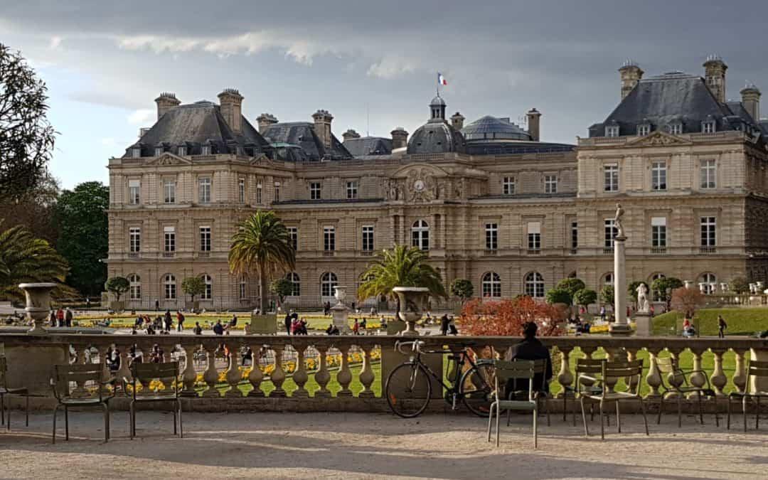 Pascal, Guillén et Peter ont donné une formation au Sénat français sur les enjeux environnementaux et sociaux de la réforme du Code Minier français